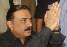 Zardari [Picture Courtesy and Copyright of Islamabad Metblog]
